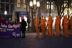 """Installation """"Broken"""" - von Dennis Josef Meseg - Standort Bonn Münsterplatz - 25.11.2020"""