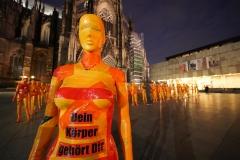 """Installation """"Broken"""" - von Dennis Josef Meseg - Standort  Köln Roncalliplatz"""