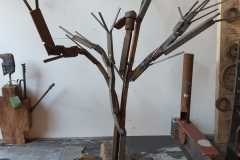 We all grow - Holz-/ Stahlplastik 110cm