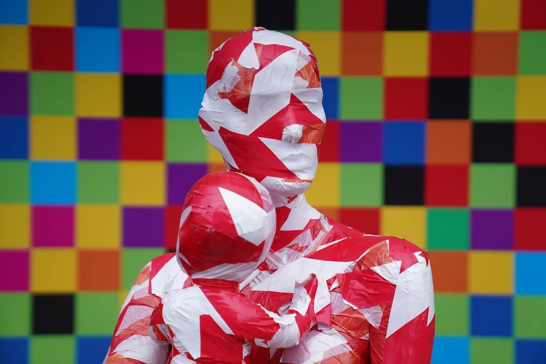 "Corona Kunst - Installation ""It is like it is"" - Corona-Mahnmal Dennis Josef Meseg - Hannover"