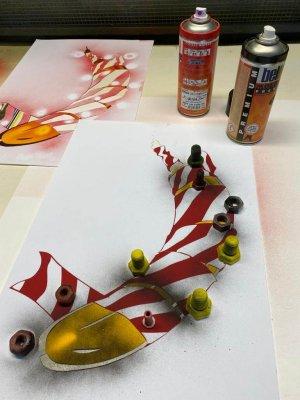 Flatterband-Banane in Zusammenarbeit mit Thomas Baumgärtel (Bananensprayer Köln) Edition aus 111 Pochoir/ Stencils/ Schablonendrucken