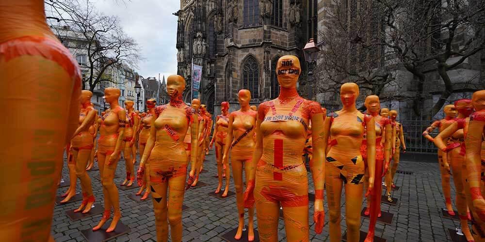 """Installation """"Broken"""" - von Dennis Josef Meseg - Standort Aachen"""