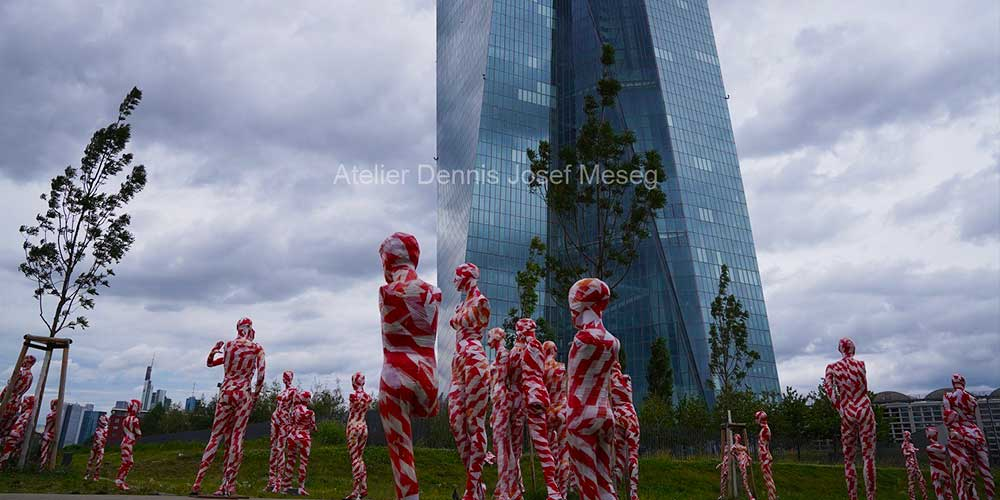 """Installation """"It is like it is"""" - von Dennis Josef Meseg - Standort Frankfurt EZB"""