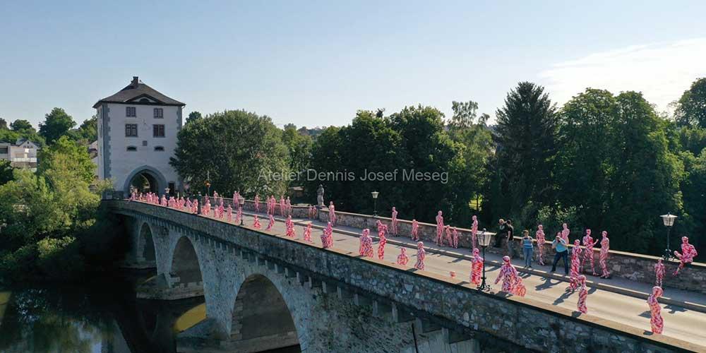 """Installation """"It is like it is"""" - von Dennis Josef Meseg - Standort Limburg Lahnbrücke"""