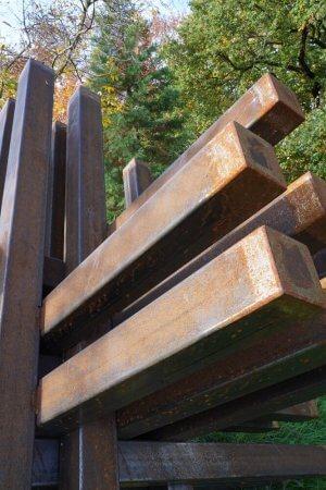 STOPP – Stahlplastik von Dennis Josef Meseg