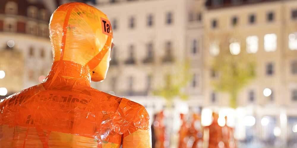 """Installation """"Broken"""" - von Dennis Josef Meseg - Standort Dresden Neumarkt"""