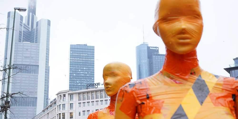 """Installation """"Broken"""" - von Dennis Josef Meseg - Standort Frankfurt"""