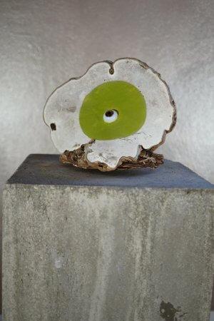 But first me - Acrylfarbe auf getrocknetem Pilz - von Dennis Josef Meseg