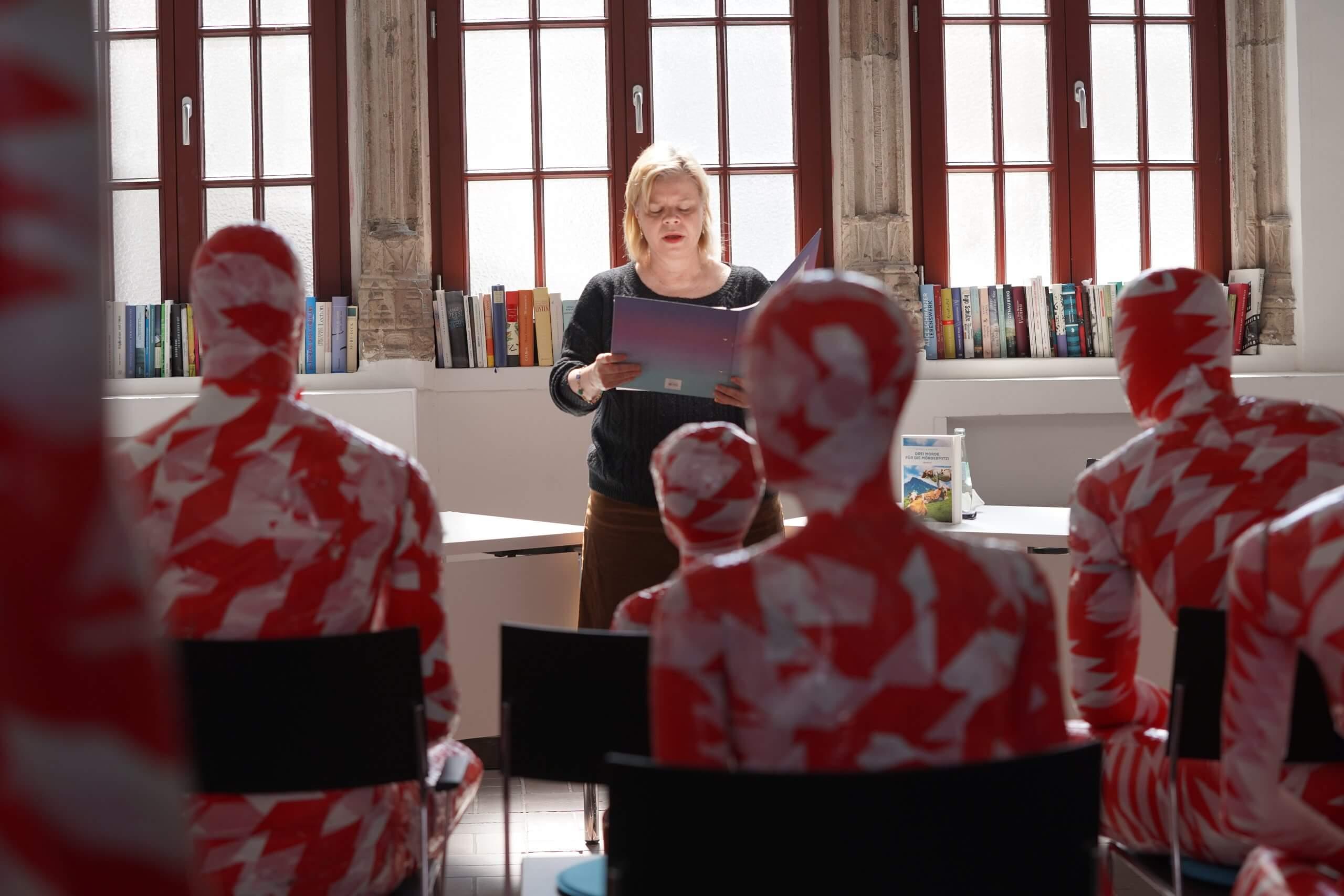 Lit Cologne 2021 Literaturhaus Köln Drei Morde für die Mörder Mitzi: Alpenkrimi Buch von Isabella Archan