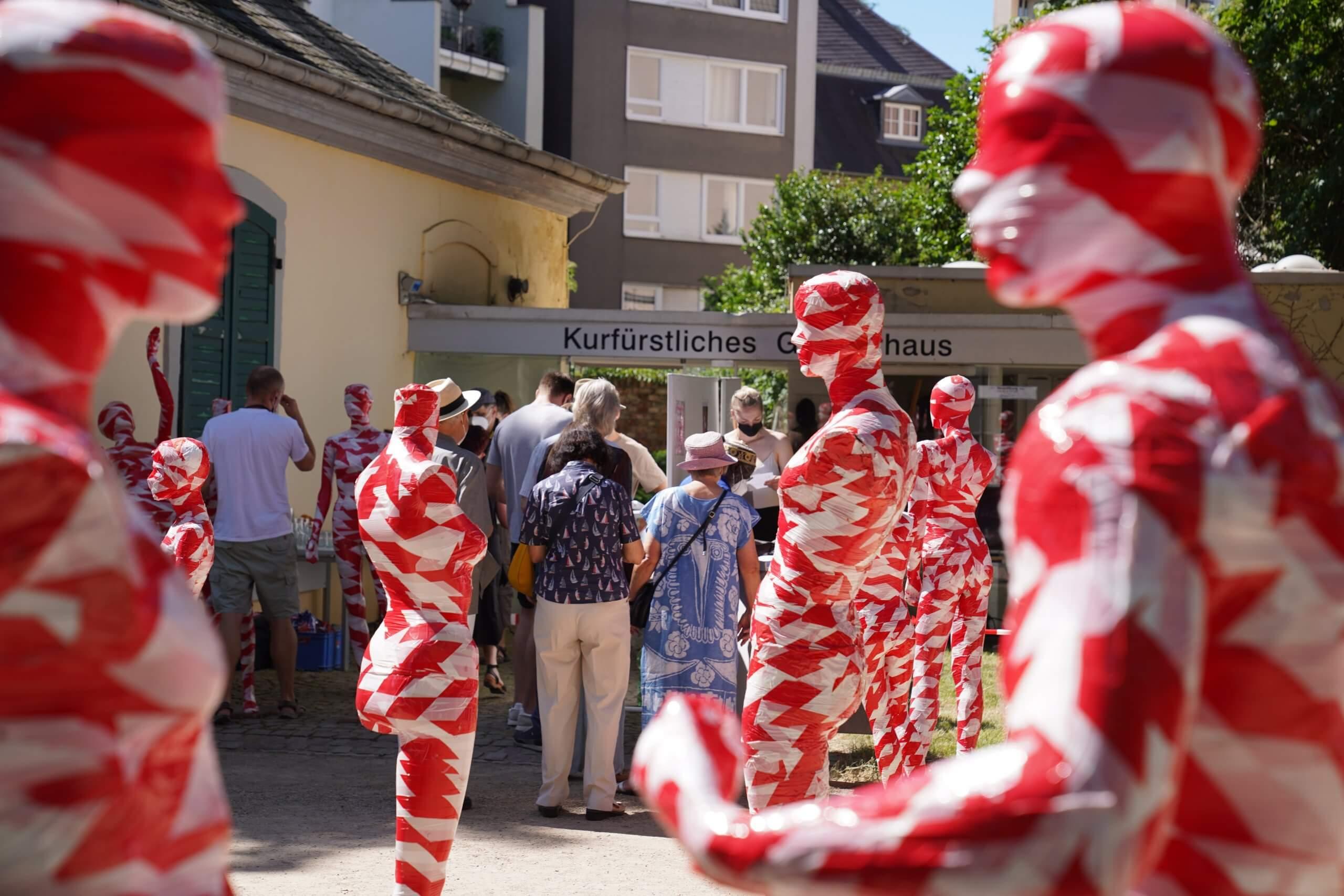 It is like it is - Kurfürstliches Gärtnerhaus Bonn zu Ausstellung von Alf Beyrle